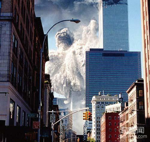 直击911事件中不可思议的幸存者:从22层高空坠落,安全落地(1)