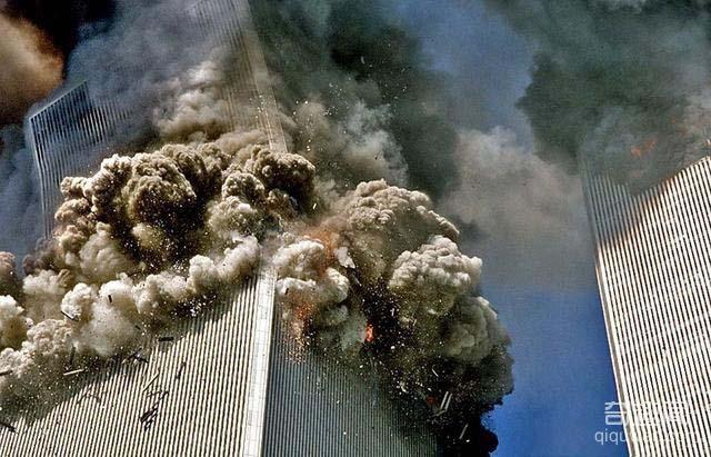 直击911事件中不可思议的幸存者:从22层高空坠落,安全落地(2)