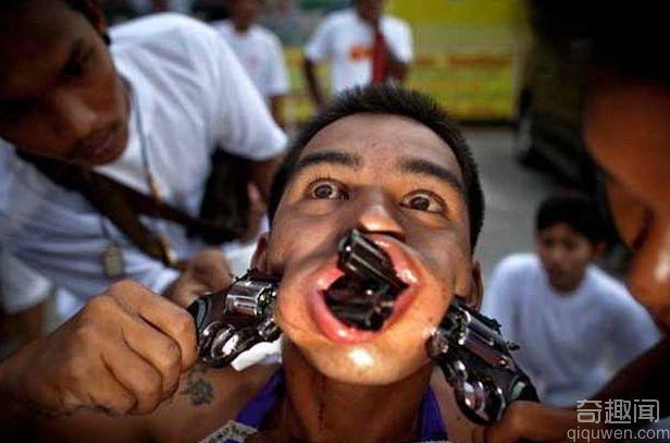 恐怖人体穿刺艺术 人体穿刺3600根针