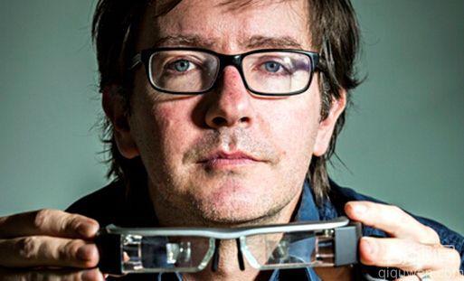 科学家研发智能眼镜明年出售 助力弱视者重获光明
