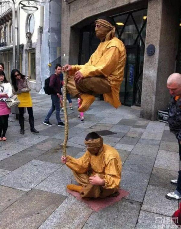 人体悬浮术的神秘面纱 人体悬浮术魔术揭秘