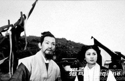邓小平黄山与神秘女星合影曝光