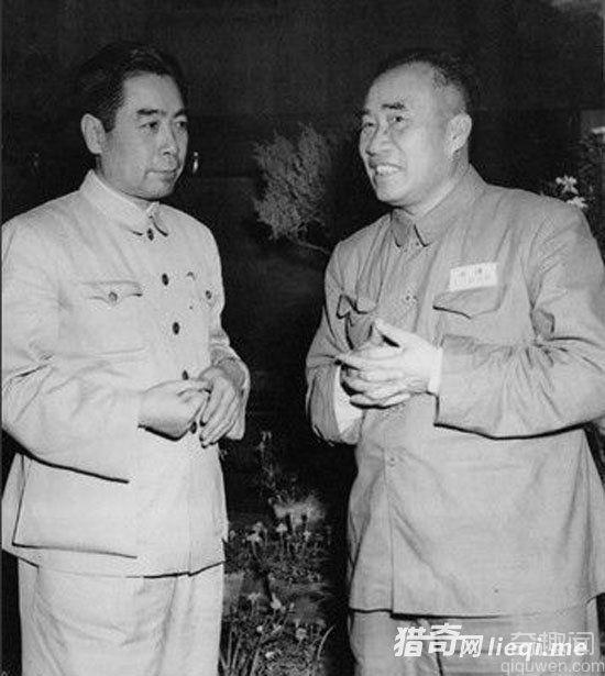 """死不留灰中国历史第一人周恩来""""无后""""惊人真相"""