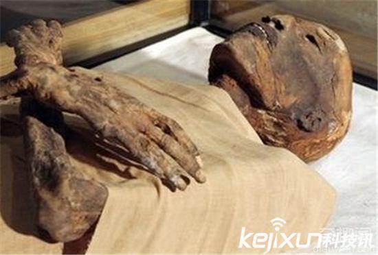 3000年女木乃伊竟宛如活人 竟还发出微弱呼吸声