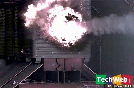 美国研发电磁大炮 新武器威力巨大