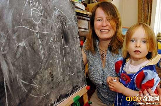 [图文]英国2岁小女孩智商高达160 堪比霍金