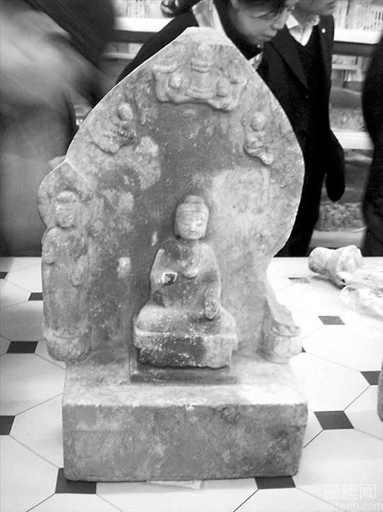 河北省邺城遗址出土大量东魏北齐石造像