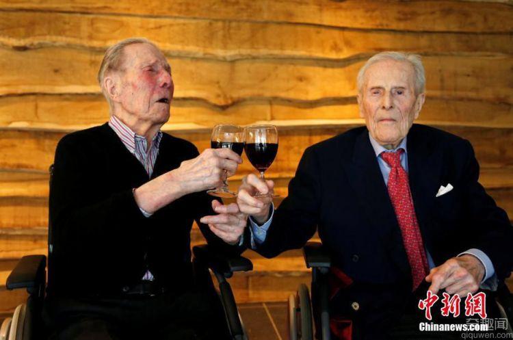 世界最年长双胞胎 即将迎来103岁生日