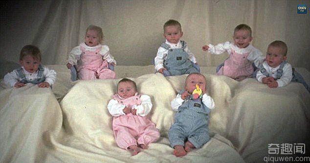 全球第一例七胞胎顺利长大 回忆他们的成长经历
