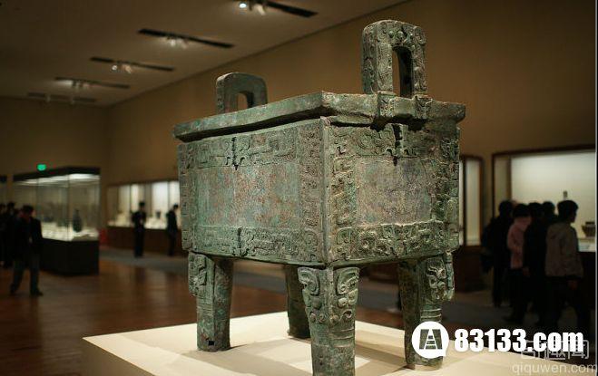 世界上最大的青铜器 比人还高比卡车还重