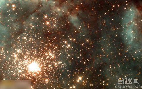 发现有些恒星的质量达到了300倍太阳质量