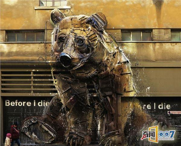 艺术家化腐朽为神奇 废品打造艺术