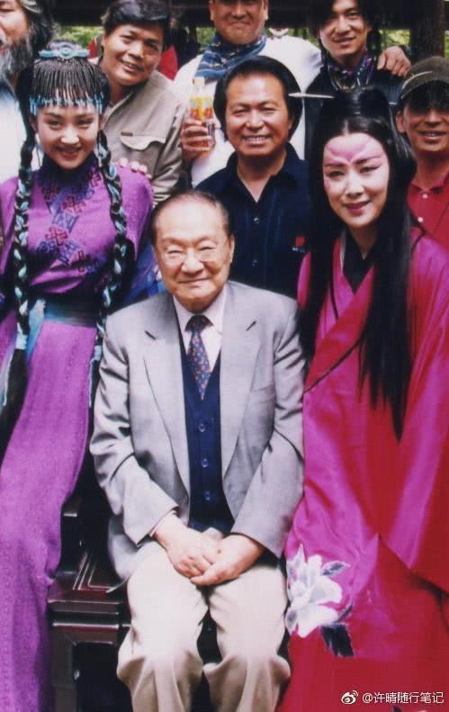 金庸94岁走了,演过其笔下角色的明星纷纷发文悼念