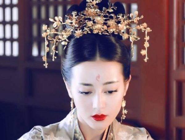 皇帝死前告诫弟弟:朕的女人不能动,弟弟称帝后,立刻娶了皇后