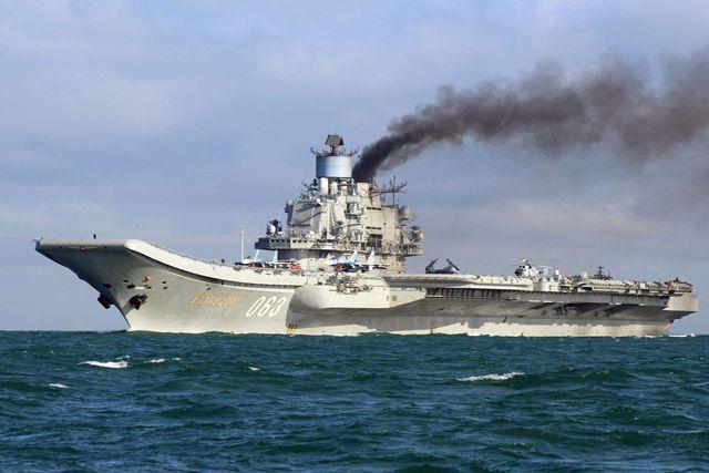 6万吨巨舰海上逃离,不到一月航行数千公里,如今成俄唯一航母