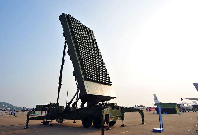 这款国产雷达真不小,高度超过10层楼,探测距离超5000千米