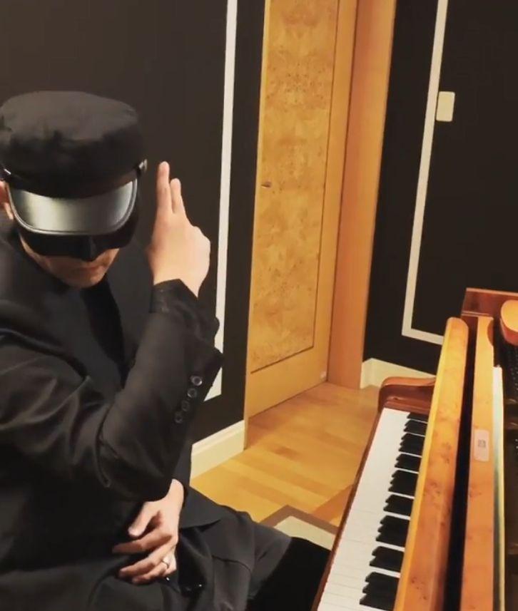 周杰伦也玩cos!东京街头扮演《青蜂侠》加藤,还被人追着跑