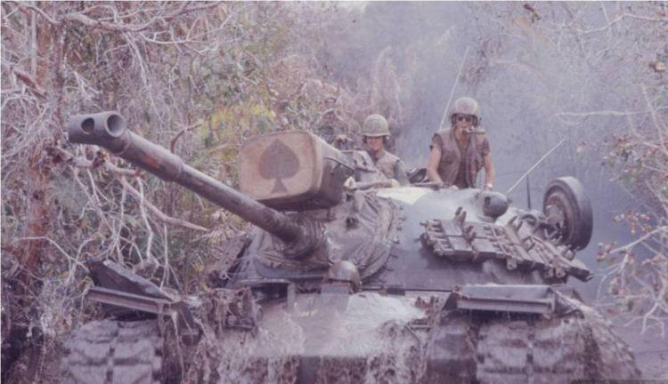 越军称潜艇跟踪中国航母群3天未被发现