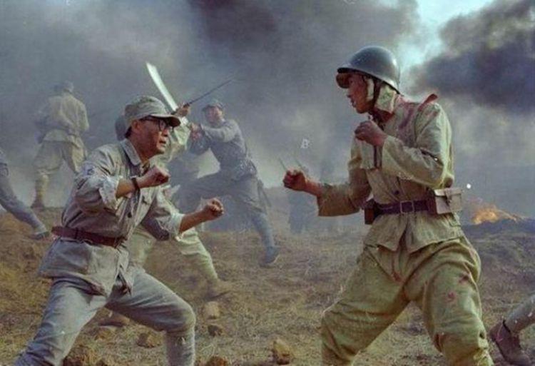 二战中,日本士兵的军帽上为什么有两块奇怪的布,起什么作用
