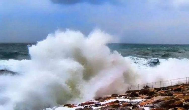 印尼万丹发生海啸,已造成43人死亡,584人受伤