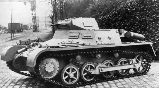 """坦克仅5.4吨,却造就二战德军的""""无敌"""",中国曾用它打日本"""