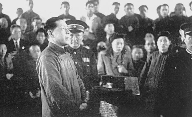 """此汉奸是汪精卫的""""继承人"""",被抓后写副对联就想活命"""