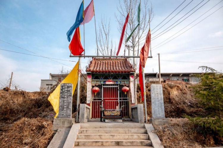 村头夺丰桥河神庙:都是群众捐款修建,修桥多的捐5万少的10元