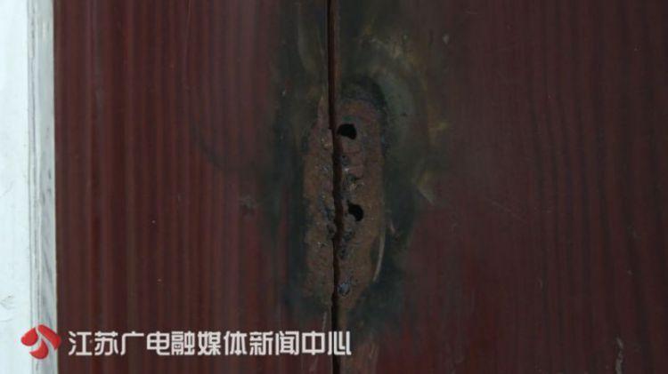 四个儿子竟将房子焊死,不让母亲进门!姜堰七旬老人有家不能回…