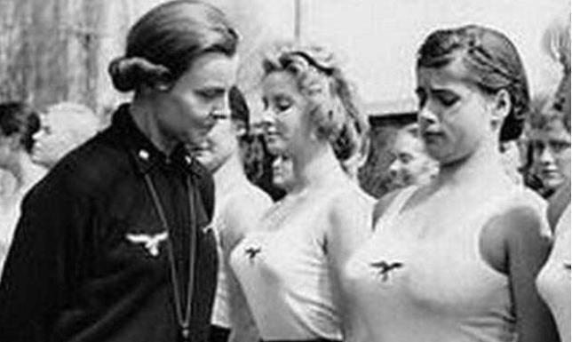 德国战败后,五十万女兵去哪了?尸骨无存!