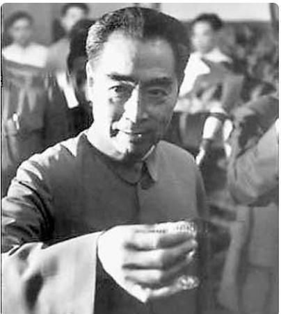 中国志愿军回国后,总理说:今天都很高兴,不要这个,换成酒