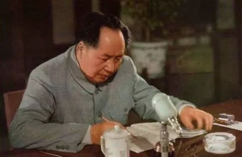 今天,是中国人永远的伤痛日!山河哭泣,草木伤情!