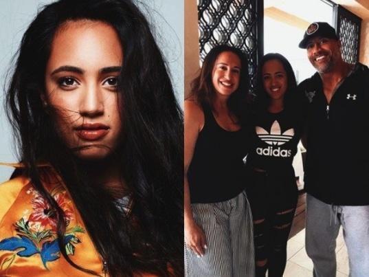 巨石强森家中3个女儿,颜值风格差距令人吃惊