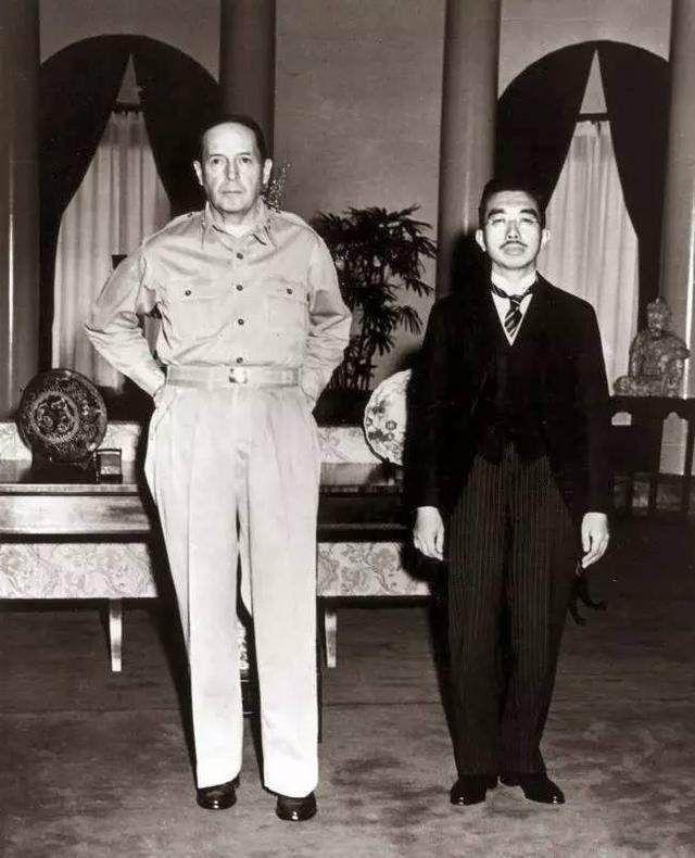 美国公布日本天皇财产,普通人望尘莫及啊!
