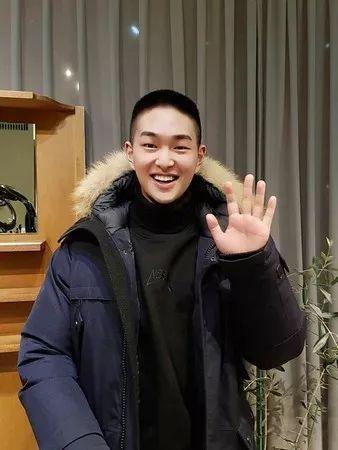 拿下1位!钟铉遗作竟登上音源榜冠军 而看完第2名后粉丝更是爆哭......