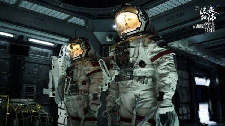 《流浪地球》原片时长168分钟,李光洁被删戏份达半小时
