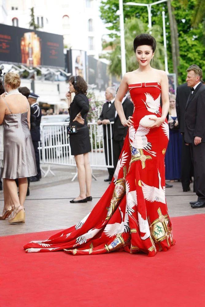 《苹果》里的这位女星,比范冰冰还敢穿,今年入围金像奖