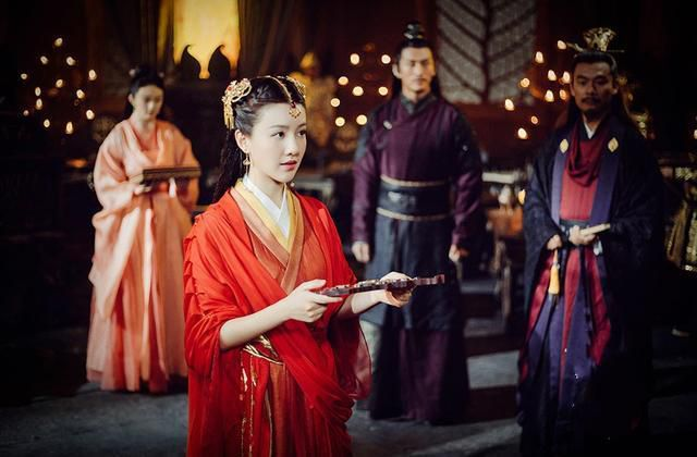 """晚年出宫的太监说出皇帝大婚时的秘密,皇后需吃这个""""食物"""""""