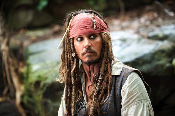 德普不再出演船长,金牌编剧跳槽,加勒比海盗系列可能完结