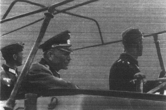 此人害得苏军损失近百万人,反搞得斯大林不好意思处决他