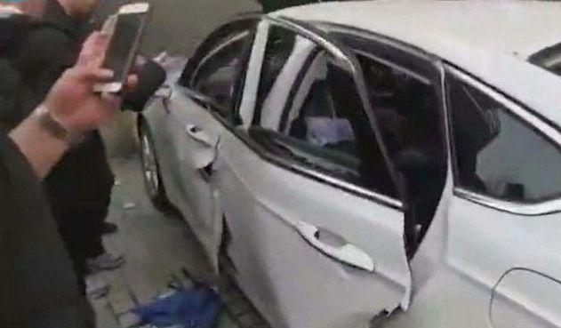 男子车中开煤气准备自杀,想抽根烟冷静一下,结果引燃煤气