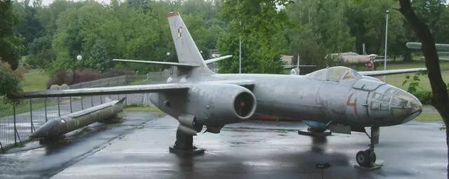 超级轰炸机:让各国海军都担惊受怕的航母杀手