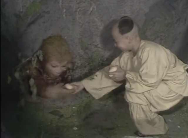 给被压五行山的孙悟空送桃吃小孩是谁?背后隐藏的秘密鲜为人知!