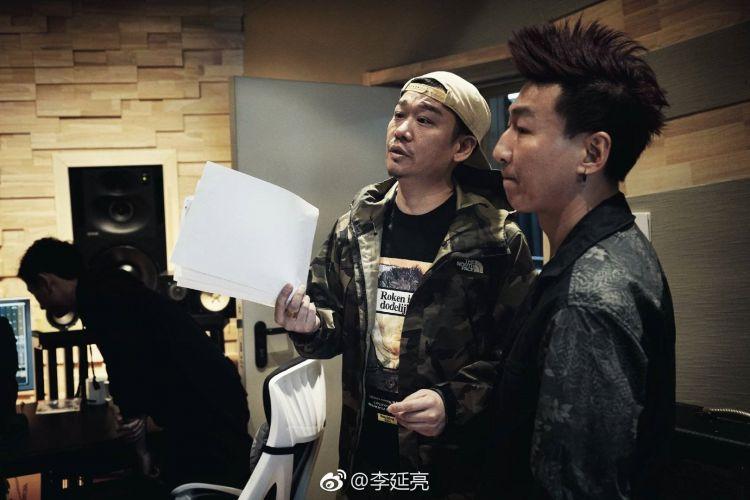 陈羽凡涉毒后首曝照片,打扮精致现身录音棚,被疑将再次复出?