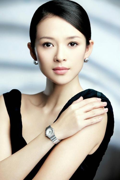 章子怡首谈与范冰冰关系,承认有竞争但不在意,曾暗讽其是明星?