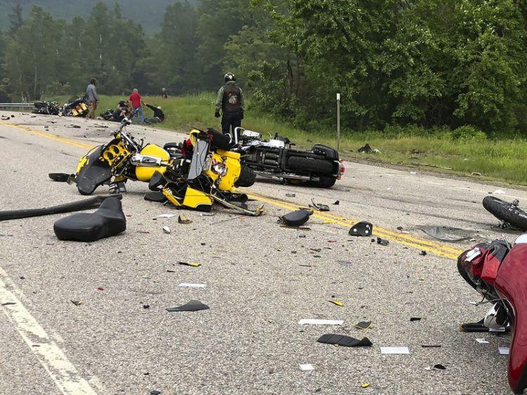 悲情版《速度与激情》?美国一摩托车队与皮卡相撞,已有7人丧生