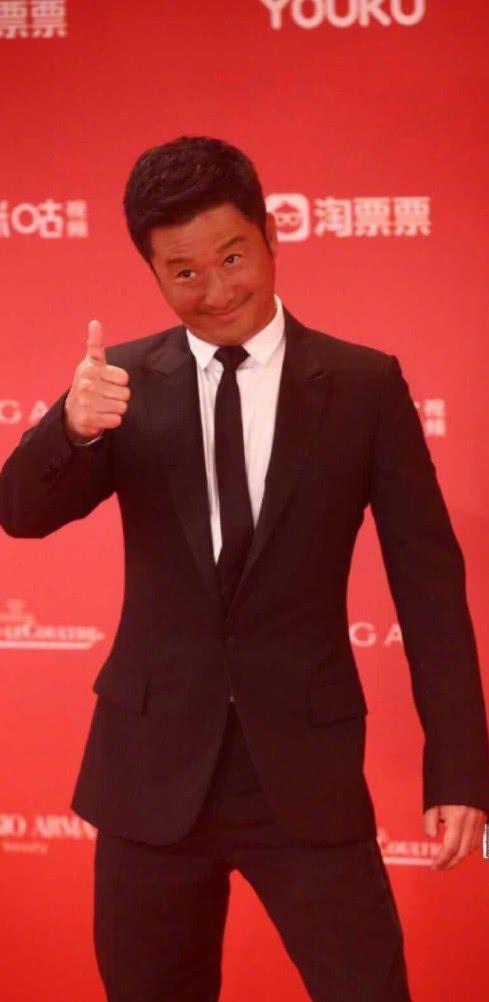 """吴京肤色黑成炭,被调侃去做了""""美黑"""",疑似正在筹备《战狼3》"""
