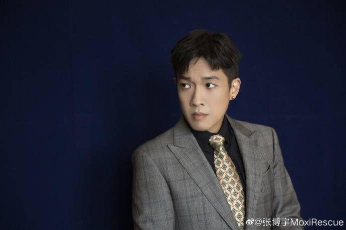 他是张丰毅吕丽萍儿子,长得丑被父母打压,今演《盗墓笔记》爆红