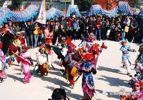 郎溪县定埠民俗文化村的小马灯(二)