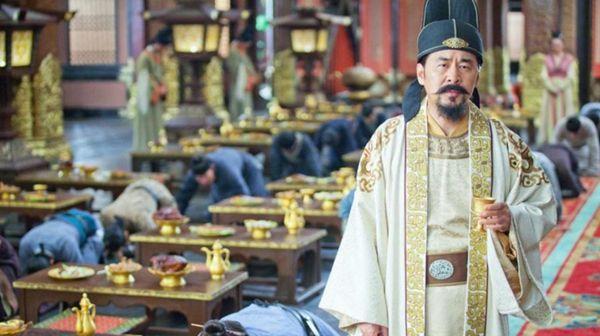 中国有个人口最多的姓氏,将近一亿,姓氏听着也霸气但没一个皇帝