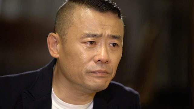 黄毅清透露:周立波和胡洁分床睡,夫妻关系已经很紧张